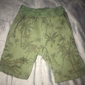 Boys shorts with palm tree